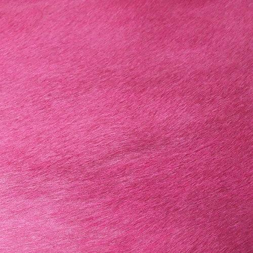 fel roze geverfde koeienhuid close up
