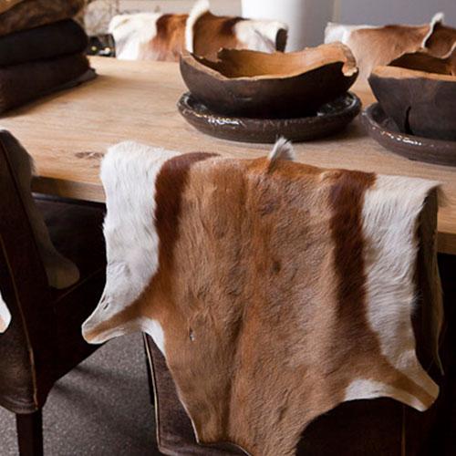 springbok decoratie huid op stoel
